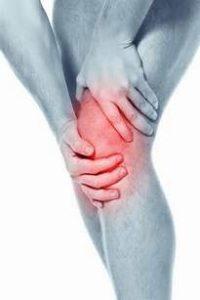 острая боль в коленном суставе что делать