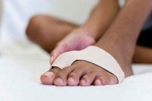 Болят суставы пальцев ног причины и лечение