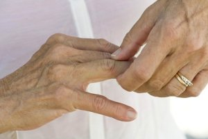 хруст в пальцах рук причины